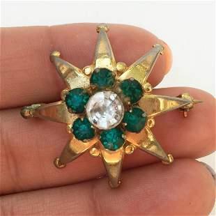 DENBE Vintage gold tone crystals Star shape brooch