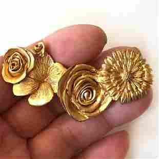 Vintage gold tone matte shape Flower Rose shape brooch
