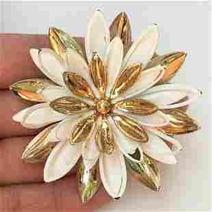 SARAH COV Gold tone white enamel flower brooch