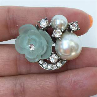 Silver tone crystals faux pearl flower cocktail ring
