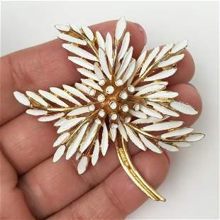 ART Vintage gold tone white enamel Flower brooch
