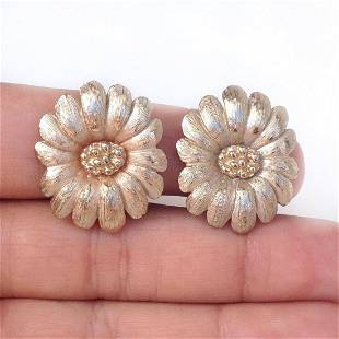 PASTELLI Vintage gold tone textured Flower ear clips