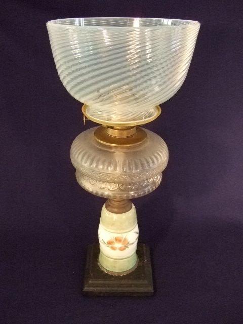 4: Victorian Oil Lamp Font