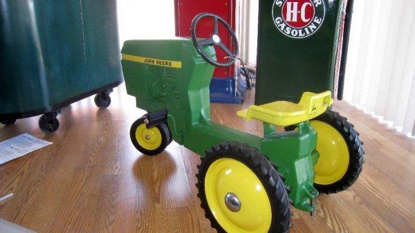 2002: John Deere 1974 '30 Series Pedal Tractor