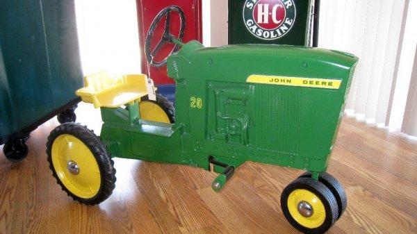 2004: John Deere Pedal Tractor