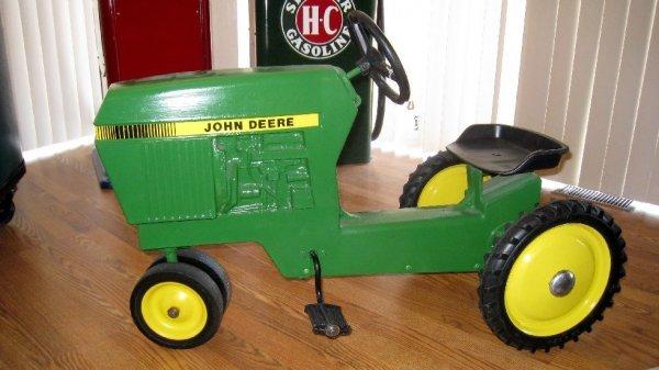 2007: John Deere Pedal Tractor