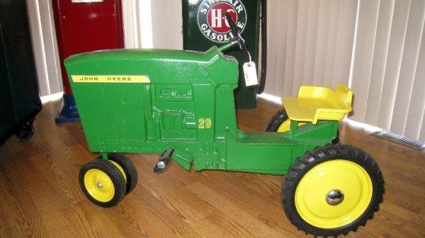 2009: John Deere Model 20 Pedal Tractor