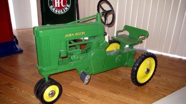 2011: John Deere Pedal Tractor