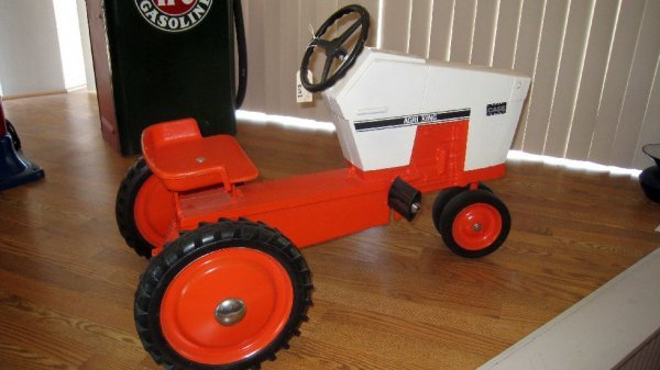 2013: Case Agri King Pedal Tractor