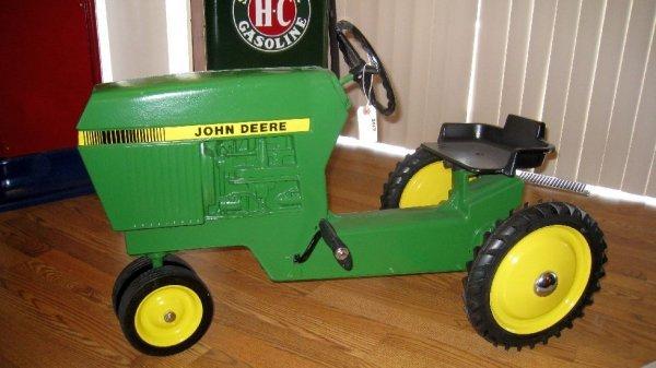2017: John Deere Pedal Tractor