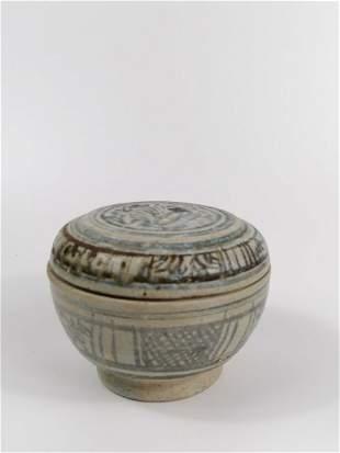 Annamese blue porcelain box