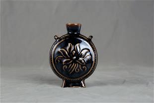Qing Dynasty Magzhou kiln wine jug