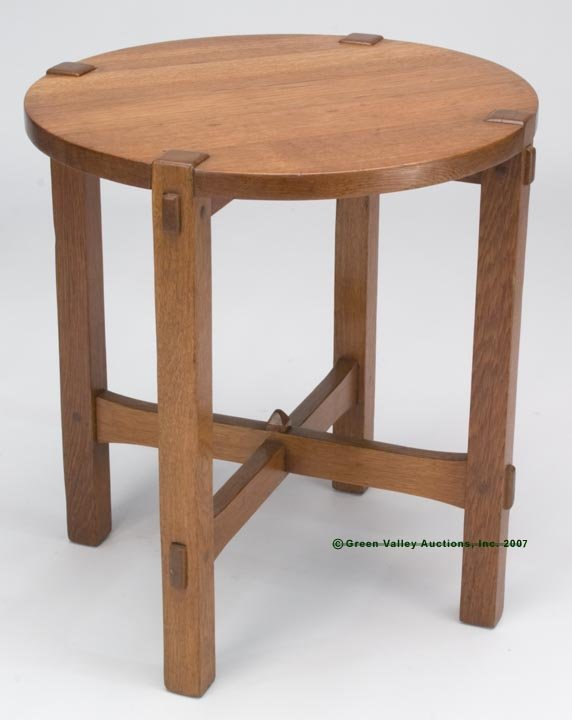 561: STICKLEY ARTS & CRAFTS OAK STAND TABLE, round top