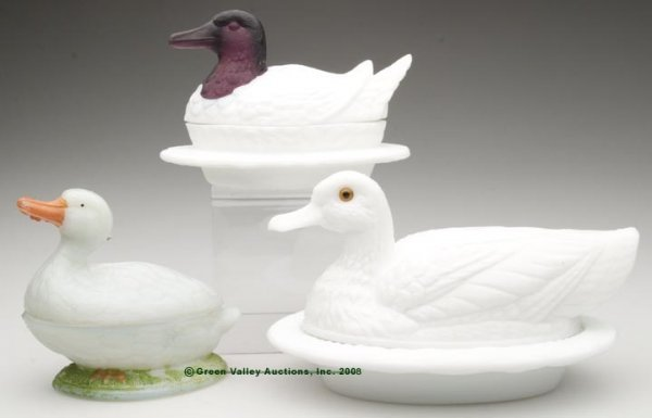 17: VARIOUS DUCK COVERED DISHES, LOT OF THREE, opaque w