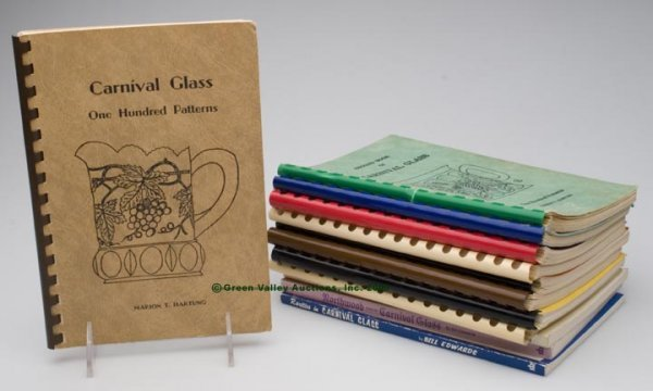 456: CARNIVAL GLASS REFERENCE VOLUMES, LOT OF 12, Hartu