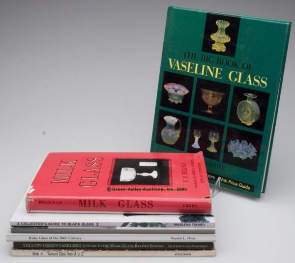 477: VARIOUS COLORED GLASS REFERENCE VOLUMES, LOT OF SE