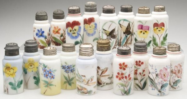 1522: CREASED NECK SALT SHAKERS, NINE PAIR, opaque whit