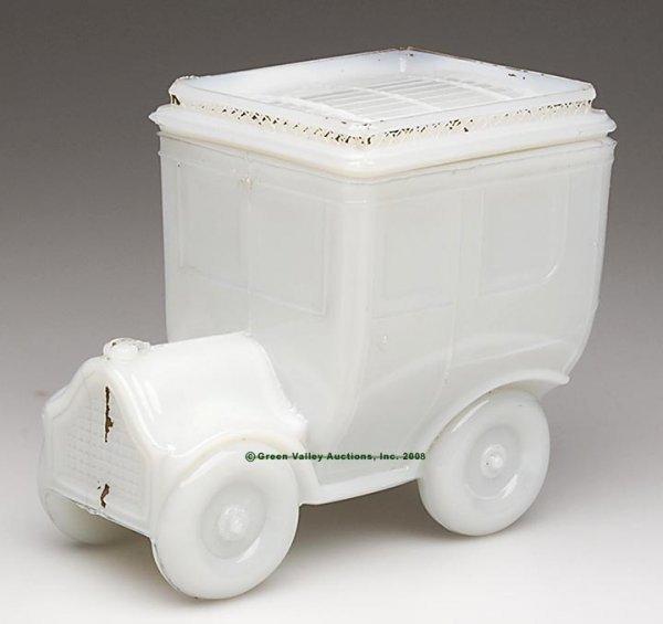 555: AUTOMOBILE COVERED BOX, opaque white/milk glass sh