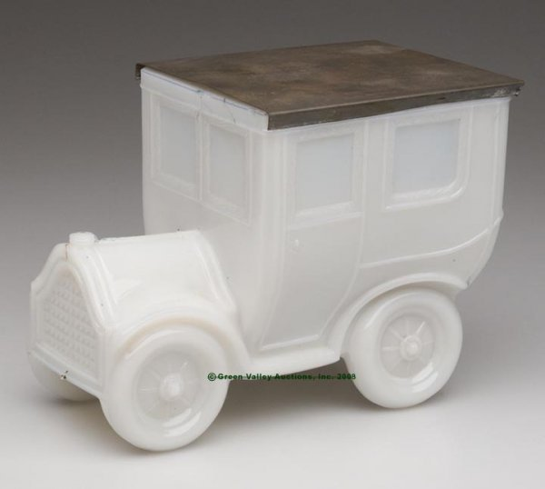 556: AUTOMOBILE COVERED BOX, opaque white/milk glass sh