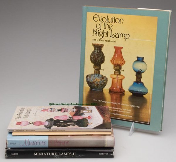 1021: MINIATURE LAMP REFERENCE VOLUMES, LOT OF FIVE, Mc