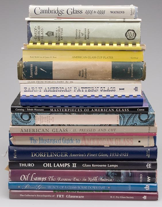 15: AMERICAN GLASS REFERENCE VOLUMES, LOT OF 20, includ