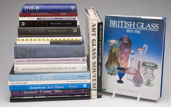 16: VARIOUS GLASS REFERENCE VOLUMES, LOT OF 22, includi