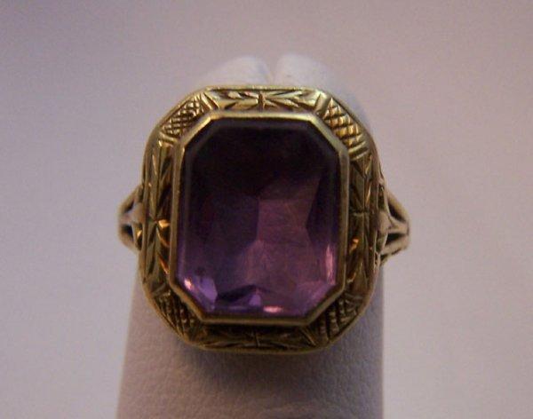 8: Ladies 14 Karat Yellow Gold Estate Amethyst Ring.