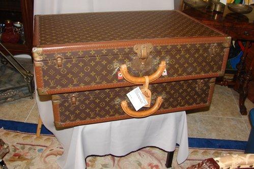 207: Louis Vuitton Signature Luggage.