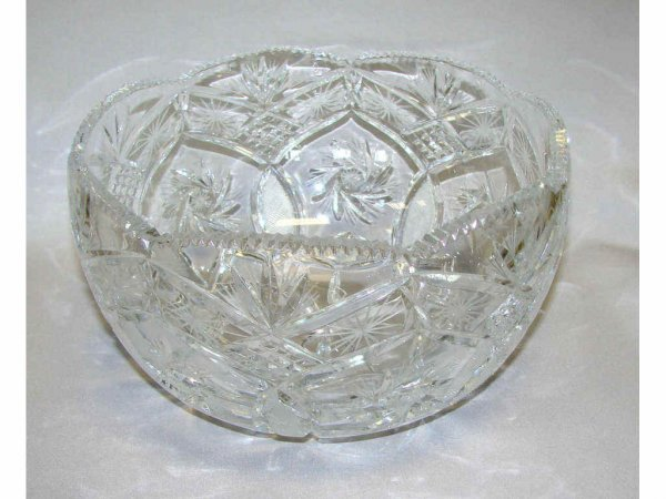 10: Cut and Etched Glass Fruit Bowl. D - 9.5""