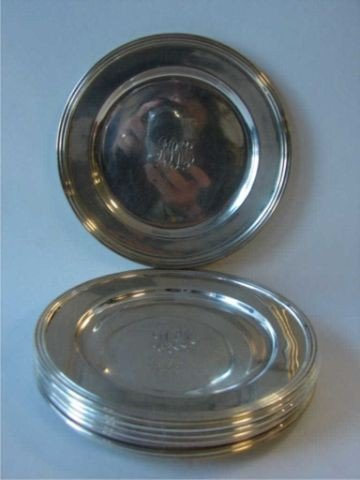 15: Set of (8) sterling bread plates, 17.75 oz.