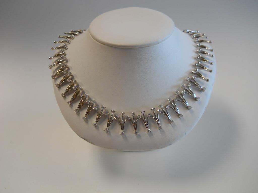 133: 14K White Gold Diamond Necklace.