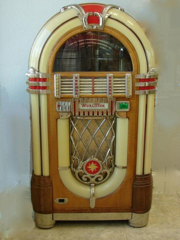 "220: Wurlitzer vintage ""Bubbler"" JukeBox."