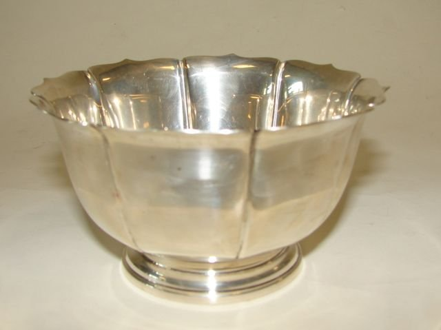 11: Lunt Sterling Silver Footed Bowl.