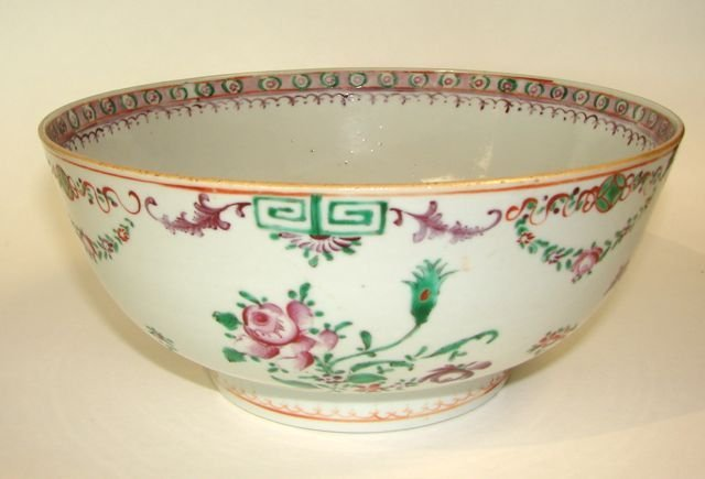 128: Chinese Export Porcelain Bowl.  19th C.