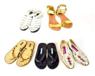5 pairs of woman's sandals - Size 7