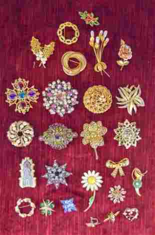 Grouping of Miscellaneous Costume Jewelry