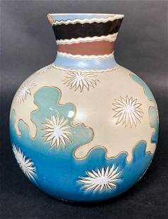 Villeroy & Boch Mettlach Vase