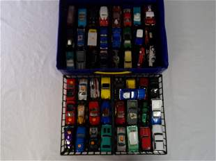 large carry case w/ hot wheels cars