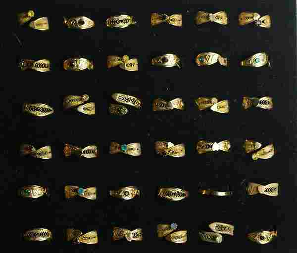 Group of Costume Jewelry Fashion Rings