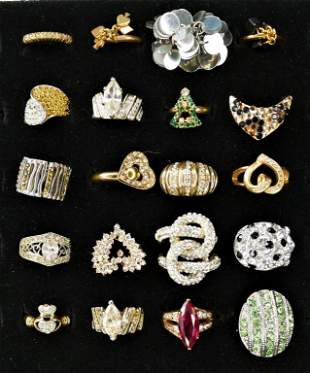 Lot of 20 Fashion Costume Jewelry Rings