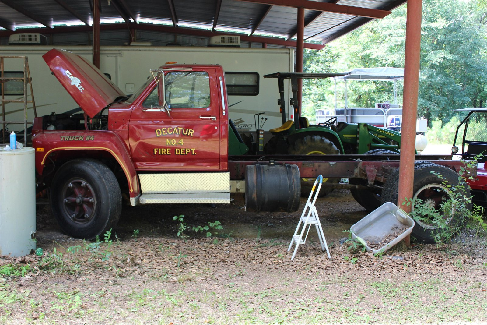 1984 Ford F820 fire truck