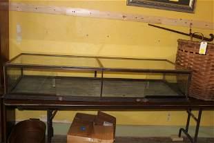 Glass countertop display case