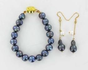 Black & White Saltwater Pearl Bracelet & Earrings