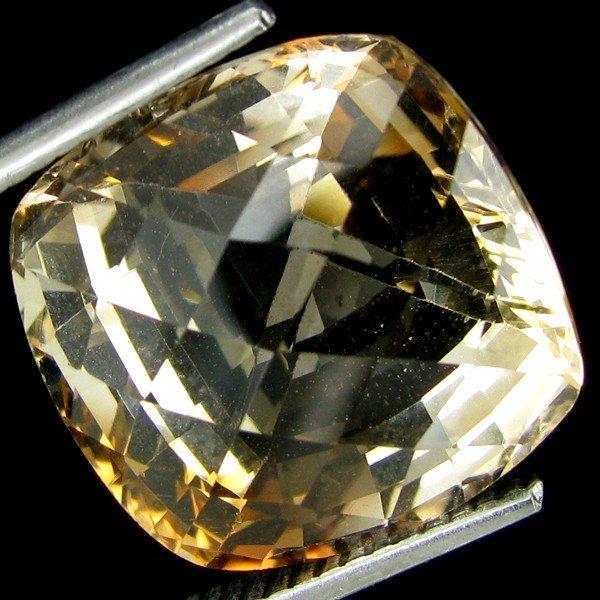 3B: 16.85ct Stunning Golden Imperial Topaz