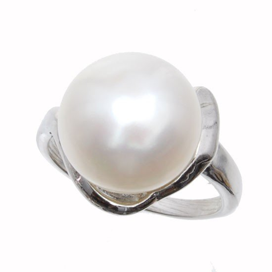 15: White Saltwater Pearl & Sterling Ring