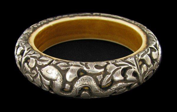 2B: Vintage Tibet Bone Silver Bangle Bracelet