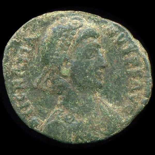 9: 300AD Roman Bronze Coin Higher Grade