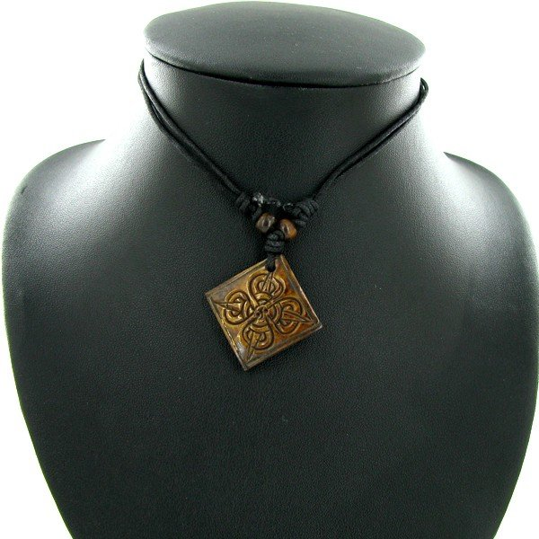 22: Tibet Handfcarved Bone Pendant Choker Necklace