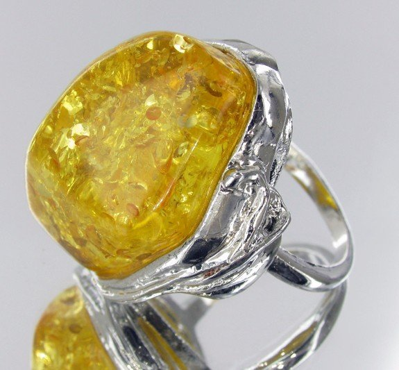7: 87ct Baltic Amber White Gold Vermeil Ring