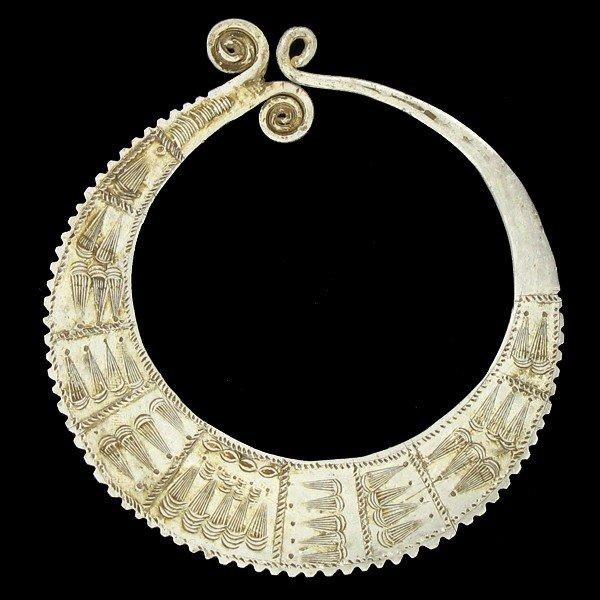 1454: Rare Hamong Hilltribe Lg. Sterling Earring